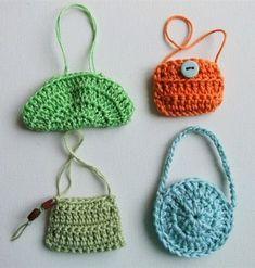 how to: mini crochet handbags