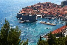 Scene  アドリア海の真珠② from Dubrovnik,Croatia. クロアチアのドゥブロヴニク旧市街は1979年に世界遺産に登録されている。映画『魔女の宅急便』の舞台となった街としても有名だ。