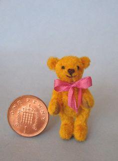"""Gayle Basson, Bassom Bears - 1 1/2"""" gold teddy bear"""