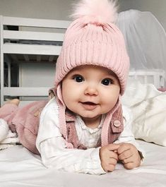 Cute Baby Girl Clothes Outfits Ideas - Home - Bebe Cute Little Baby, Baby Kind, Pretty Baby, Little Babies, Beautiful Baby Girl, Mom And Baby, Little Ones, Fashion Kids, Baby Girl Fashion