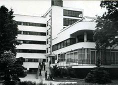 Machnáč Sanatorium, Jaromír Krejcar, Trenčianske Teplice, Czechoslovakia 1930-32 Streamline Moderne, International Style, Eastern Europe, Czech Republic, Prague, Modern Architecture, Abandoned, Art Deco, Soviet Union
