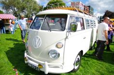 wedding Bulli Bus Camper, Camper Life, Volkswagen Bus, Vw T1, Vintage Vans, Choppers, Addiction, Cars, Vehicles