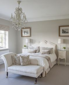A classic chaise longue in a guest bedroom. #interiors #WTinteriors
