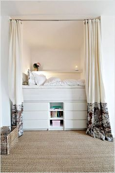 Having a small bedroom does not mean that you can slack in the décor section. Try these small bedroom decor ideas to transform your sleeping space. Small Room Bedroom, Cozy Bedroom, Small Rooms, Small Apartments, Small Spaces, Bedroom Decor, Tiny Bedrooms, Bedroom Curtains, Raised Beds Bedroom