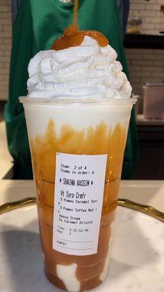 Bebidas Do Starbucks, Healthy Starbucks Drinks, Yummy Drinks, Yummy Food, Cold Drinks, Beverages, Starbucks Secret Menu Drinks, Coffee Drink Recipes, Coffee Drinks