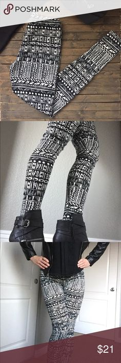 💕 New!! Printed black/white leggings  💕 Super cute black/white Aztec printed leggings. So versatile and perfect for the season. Pair with chunky sweater or cardigan and finish off with your favorite boots for that super chic casual look. Material is 95% polyester and 5% spandex. Home is smoke and pet free 🌺💐 Price is firm unless bundled ✌️️ Misia Pants Leggings