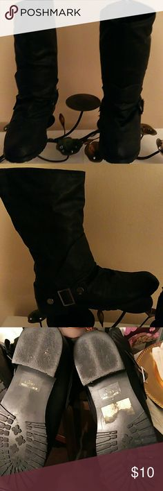 Black boots Not real leather, fashion boots rip on the inside left boot. True to size. Make me a offer! Route 66 Shoes Combat & Moto Boots
