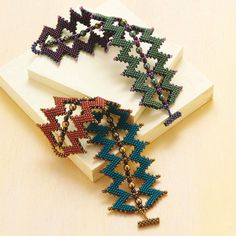 8 Beading Projects to Love -- Without Shaped Beads! Melinda's Sawtooth Cuff