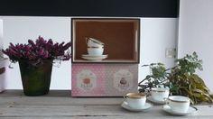 Caja realizada por Elpiojito decorada con decoupage. Wooden box decoupage. www.elpiojito.es