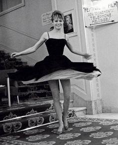 Brigitte Bardot dancing during the Cannes Film Festival, photographed by Edward Quinn, Bridgitte Bardot, Vintage Beauty, Vintage Fashion, Photo Vintage, Catherine Deneuve, Poses, Mode Vintage, Cannes Film Festival, Classic Beauty