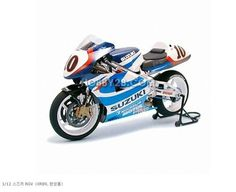 Motorcycle TAMIYA [finished] 12.01 Suzuki RGV (XR89)