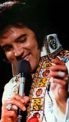 Photo of ★ Elvis ☆ for fans of Elvis Presley 32865438 Elvis Presley Concerts, Elvis In Concert, Elvis Presley Memories, Rock N Roll Music, Rock And Roll, Elvis Presley Pictures, Elvis And Priscilla, Most Handsome Men, Smiles And Laughs