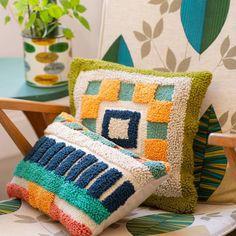 Diy Pillows, Decorative Pillows, Throw Pillows, Loom Knitting, Hand Knitting, Needle Cushion, Punch Needle Kits, Contemporary Embroidery, Batik