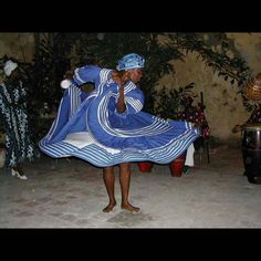 Casa de Africa in Havana Cuba Dance tell story from one of the afro-cuban religions per Dianna this is Yemaya from the Yoruba pantheon. by dubb__p_