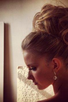 chignon haut mariage pour cheveux tres longs
