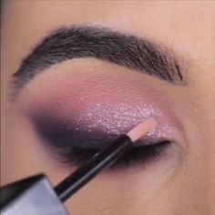 Beautiful Sparkly Makeup - Make-Up Makeup Eye Looks, Eye Makeup Steps, Beautiful Eye Makeup, Cute Makeup, Eyebrow Makeup, Skin Makeup, Eyeshadow Makeup, Bright Eyeshadow, How To Do Makeup