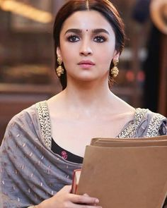 Likes, 5 Comments - Alia bhatt Beautiful Girl Image, Beautiful Hijab, Beautiful Bollywood Actress, Beautiful Indian Actress, Alia Bhatt Saree, Aalia Bhatt, Alia Bhatt Cute, Glamour World, Bollywood Outfits