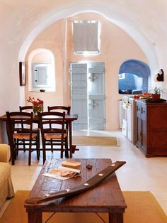 Tour Stunning Santorini Villas With Modern Greek Style