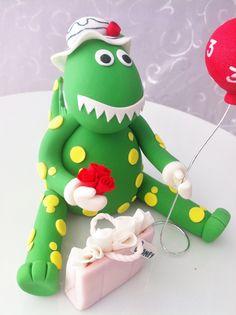 Dorothy the Dinosaur fondant cake topper