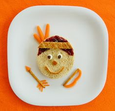 FThanksgiving Lunch | Edible Crafts | CraftGossip.com.    #thanksgiving #fall #table #turkey #crafts
