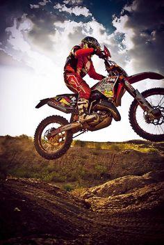 Pilote moto cross