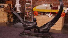 Goldfasane, Bronze,signiert mit Anton Büschelberger 1869 in Eger geboren; um 1900  nach Dresden gezogen, war lange Jahre bei der Manufaktur Karl Ens Rudolstadt,Thüringen und machte Skulpturen für Vögel, Gießereistempel Bildgiessereikraas Berlin 44: 1925   Wert 500 -600 €