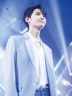 [end] Jinhyuk, how to love you without hurting myself and her? Lee Jin, Happy Pills, Produce 101, K Idol, Theme Song, Kpop Groups, Korean Boy Bands, Good People, Michael Jackson