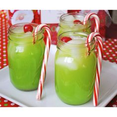 One of our most popular pins to date! Aren't these #grinch cocktails so festive!? Get the recipe #ontheblog just in time for Christmas! #flashbackfriday