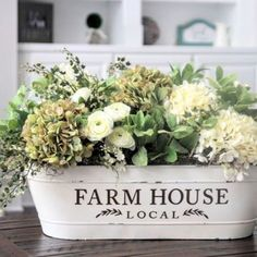 Looking for for pictures for farmhouse living room? Browse around this website for perfect farmhouse living room images. This cool farmhouse living room ideas seems entirely fantastic. Fresh Farmhouse, Farmhouse Chic, Farmhouse Design, Country Farmhouse, Farmhouse Table Decor, Vintage Farmhouse Decor, Antique Farmhouse, Farmhouse Interior, Rustic Table