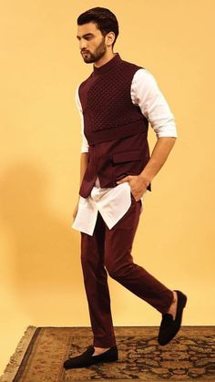 Ideas for the Designer Sherwani - Threads of love, Fashion Trends, Clothes Styles, Portfolio, e magazine Sherwani For Men Wedding, Wedding Dresses Men Indian, Wedding Dress Men, Mens Sherwani, Mens Indian Wear, Mens Ethnic Wear, Indian Groom Wear, India Fashion Men, Indian Men Fashion
