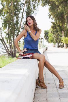 http://iammoohly.com/in-blue-look/
