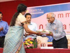 Dr. Mridula Sahay, Associate Professor welcoming the Chief Guest