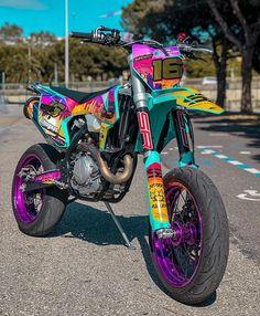Ktm Dirt Bikes, Cool Dirt Bikes, Dirt Bike Gear, Motorcycle Dirt Bike, Futuristic Motorcycle, Moto Bike, Tracker Motorcycle, Yamaha Supermoto, Bajaj Motos