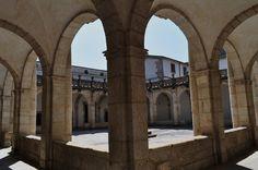 Cloître (XVIIe) de la cathédrale, Mondoñedo, comarque de la Mariña Central, province de Lugo, Galice, Espagne.   Flickr - Photo Sharing!