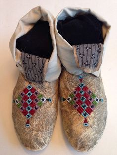 CREE Moccasins C 1890 1900 Old Style Back Seam Tiny Seed Beads | eBay