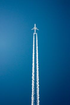White Plane, Blue Sky by Andrés Nieto Porras on Auto Girls, To Infinity And Beyond, Photo Avion, Le Grand Bleu, User Experience Design, Above The Clouds, Color Azul, Photos, Pictures