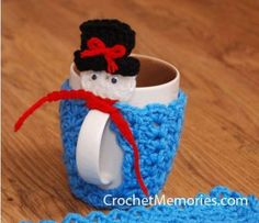 Frosty Snowman Cup Warmer from Crochet Memories.