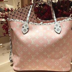2019 New Louis Vuitton Handbags Collection for Women Fashion Bags Must have it Louis Vuitton Paris, Louis Vuitton Handbags, Pink Louis Vuitton Bag, Cheap Handbags, Purses And Handbags, Popular Handbags, Cheap Bags, Cheap Purses, Fashion Handbags