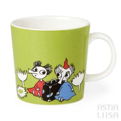 Arabia Thingumy and Bob Moomin Mug 0,3l, designed by Tove Slotte based on original Moomin illustrations by Tove Jansson. Find out more about Moomin mugs on our website 🔎Astialiisa.com⠀ 🌍 Free shipping on orders over 50 €! #moominmug #arabia #arabiafinland #nordichomes #finnishhomes #nordichome #nordicdishes #retrodishes #Finnishdesign #retrocups #Scandinaviandesign #Muumit #moomins #muumimuki #tovejansson #toveslotte #tove #arabiamoomins #coffeecup #moomin #moominland