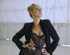 Canadian pop singer Celine Dion performing her great hit that she wrote herself MY HEART WILL GO ON live at the Colosseum at Caesars Palace in Las Vegas, Nev. Celine Dion, Celine 2016, The Voice, Chic Fashionista, Perfect Little Black Dress, Glamour, Bright Stars, Belle Photo, Role Models