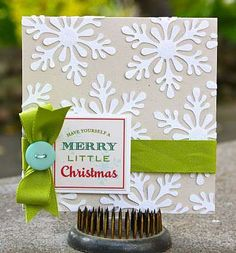 I thought this was a wrapped gift at first glance! so pretty. this might make a nice inspiration for holiday look