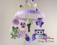 Bebé cuna móvil bebé de búhos ranas & móvil por dropsofcolorshop