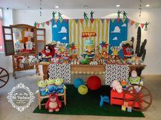 Toy Story para o Lucas! Toy Story Food, Toy Story Theme, Toy Story Birthday, Baby Boy Birthday, Jessie Toy Story, Toy Story Baby, Toy History, Woody Party, Festa Toy Store
