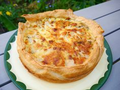 Quiche with nuts, dates, pear and goat cheese Quiches, Vegetarian Recepies, Tapas, Savoury Baking, Quick Healthy Meals, Healthy Food, Brunch, Quiche Recipes, Food Reviews