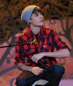 Justin Bieber -- I love the kid! :) Justin Bieber -- I love the kid! Justin Bieber 2011, Justin Beiber Hair, Justin Beiber Memes, Justin Beiber Girlfriend, Justin Bieber Posters, Justin Bieber Style, Justin Bieber Pictures, Estilo Selena Gomez, Cowgirl Style Outfits