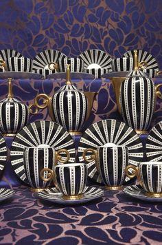 Art Deco Wedgwood by Paul Follot Campanula tea and coffee porcelain comprising a teapot coffee pot milk jug sugar bowl six cups and soucoupe Arte Art Deco, Estilo Art Deco, 1920s Art Deco, Art Deco Period, Art Mural 3d, 3d Wall Art, Art Deco Stil, Art Deco Home, Art Nouveau
