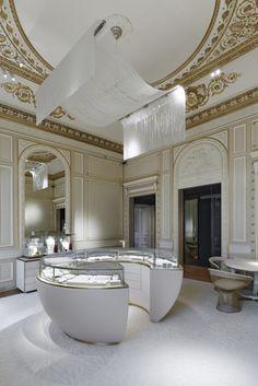 Jewelry Store Design, Jewellery Display, Jewelry Shop, Jewelry Stores, Ritz Paris, 480x800 Wallpaper, Grands Salons, Place Vendôme, Custom Rugs