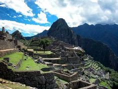 "Machu Picchu  : The Seven ""New"" Wonders of the World"
