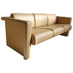Modernist Italian Leather Sofa By Knoll