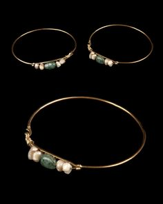 Morocco - Tangier | Pair of earrings; gold, emeralds and baroque pearls | ca. early 19th century